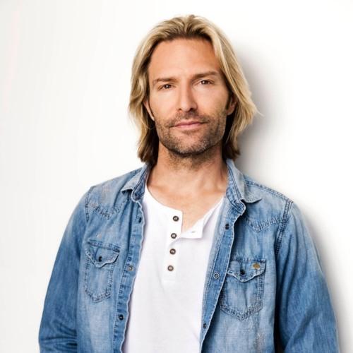 Skladateľ Eric Whitacre chce byť v Depeche Mode!