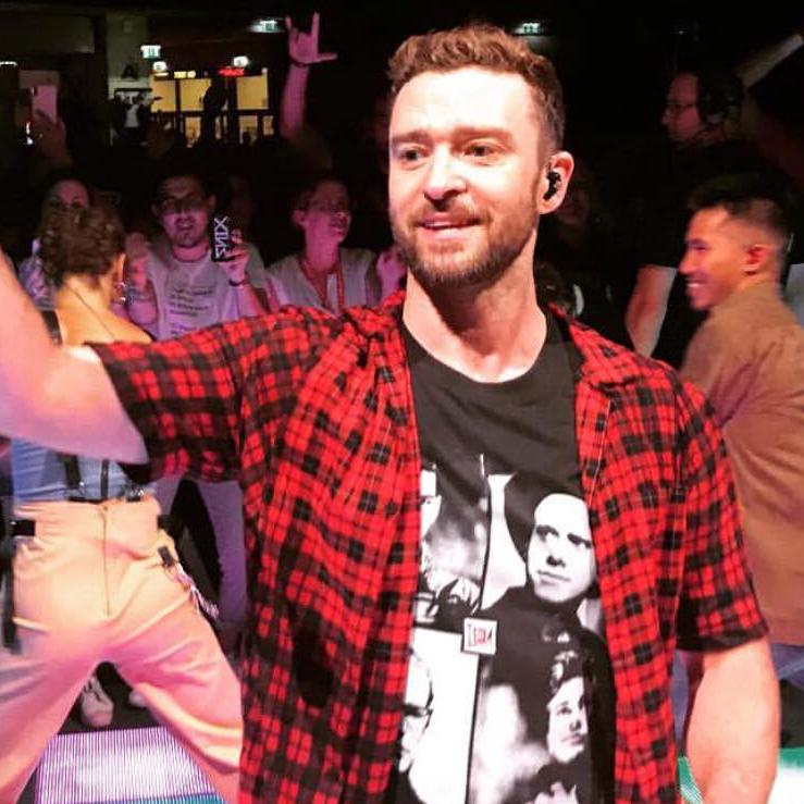 Justin Timberlake v tričku Depeche Mode