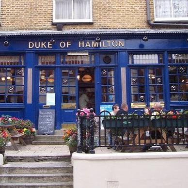 Andy Fletcher na otvorení pubu The Duke Of Hamilton