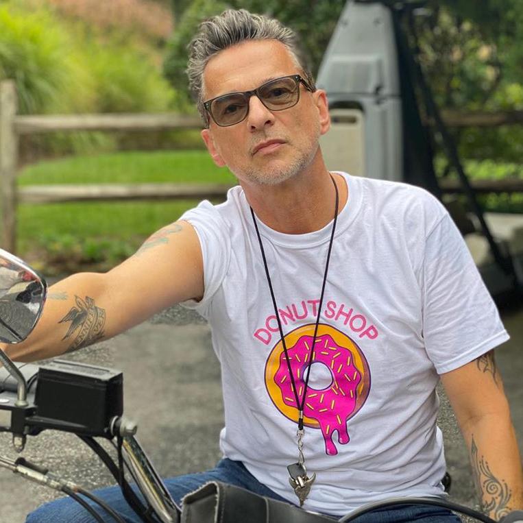 Dave Gahan propaguje video-snímku Donut Shop